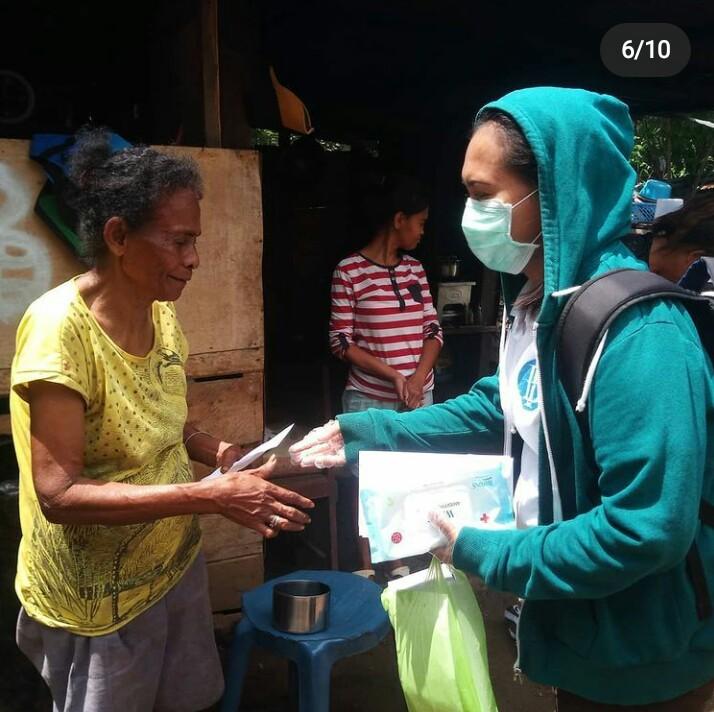 Pembagian Masker untuk Pemulung di Dusun Amaori 2020
